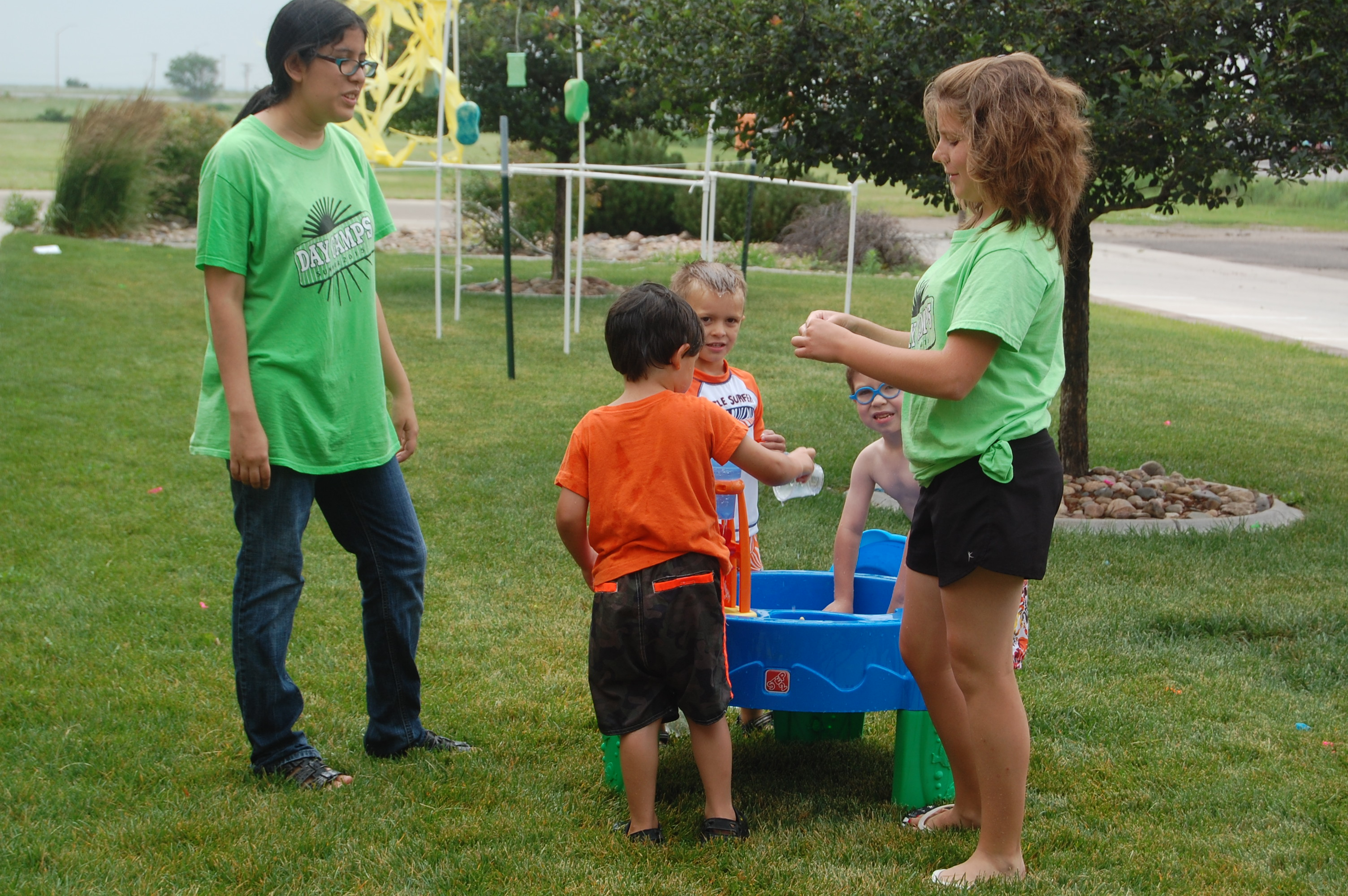kids at the water table